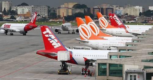 Avioes-estacionados-no-aeroporto-de-Congonhas-SP.-Credito-Michel-Filho__1383340345.02.jpg