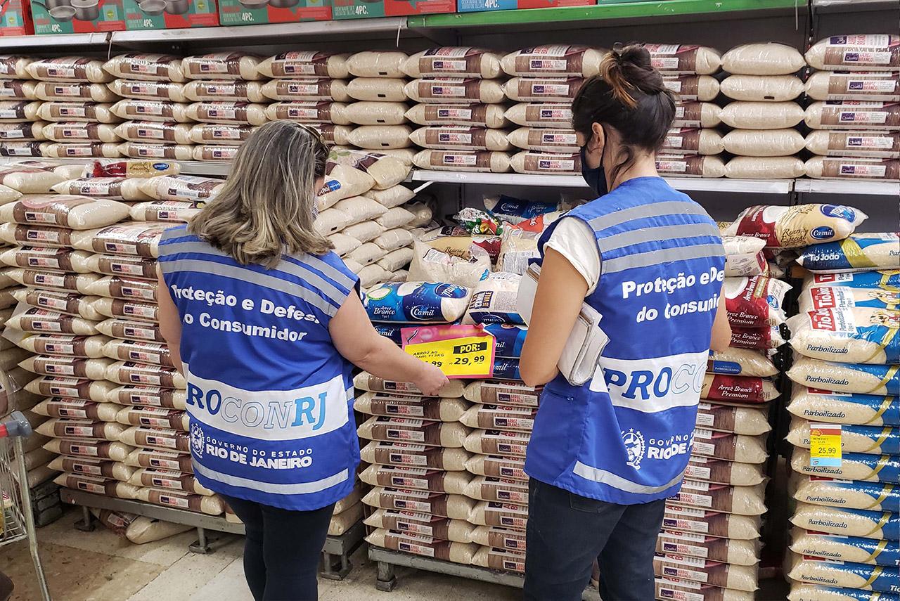 procon_fiscaliza_supermercados_em_SG_1602187113.36.jpg